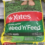 Fertiliser Weed N Feed 12.5kg Bag pk1